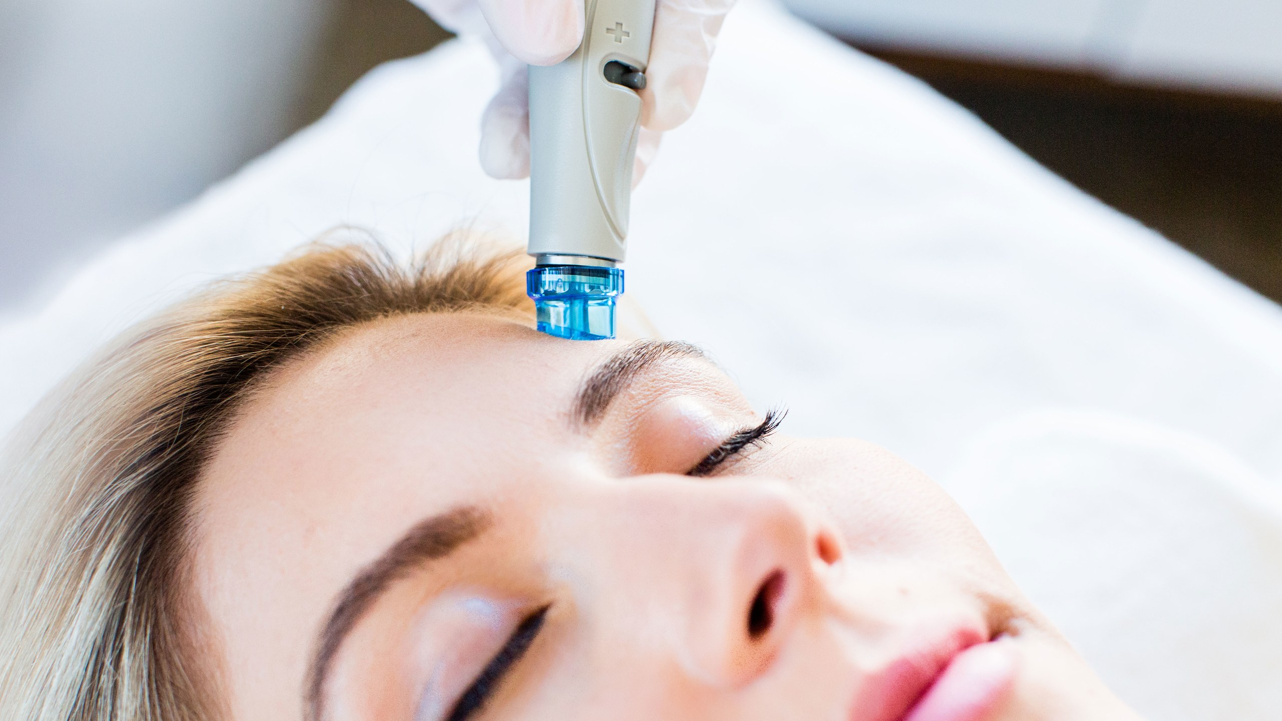 Everything There is to Know About Hydrafacials: A Guide