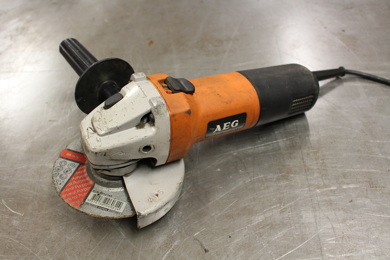 Using-angle-grinder